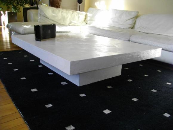 Table basse en béton ciré
